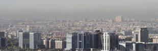 Madrid mantiene este miércoles la limitación de velocidad pero permite aparcar