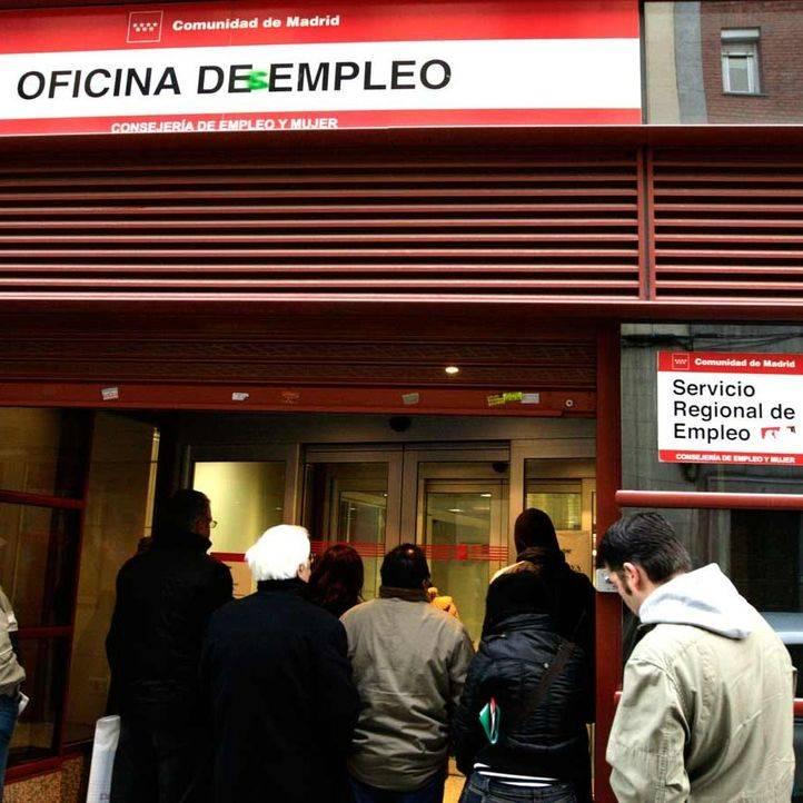 El paro cae en personas en noviembre en madrid for Oficina de paro madrid