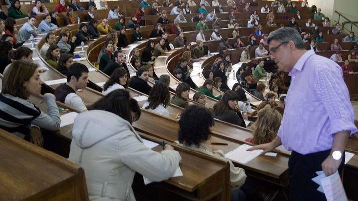 Foto de archivo de un examen de oposiciones para Enfermería.