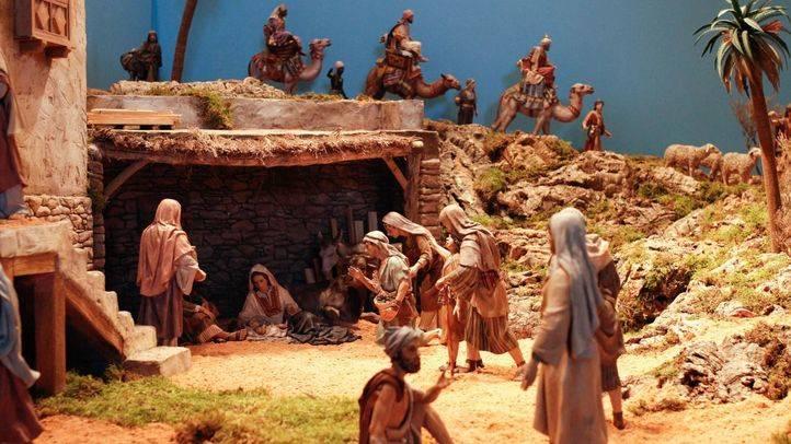 El belén de Cibeles cuenta con 40 figuras de José Luis Mayo