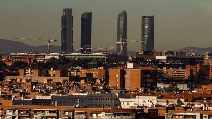 Contaminación atmosférica alrededor de la cuatro torres. (Archivo)