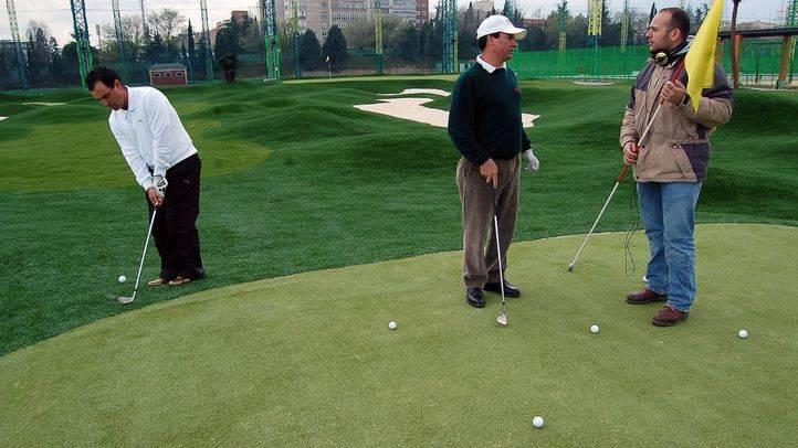 El Gobierno regional dialogará sobre el campo de golf de Chamberí pero