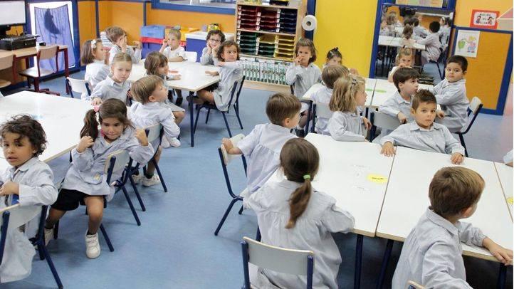 El PSOE, Podemos y Ciudadanos sacan adelante un recorte de 2,9 millones en conciertos educativos