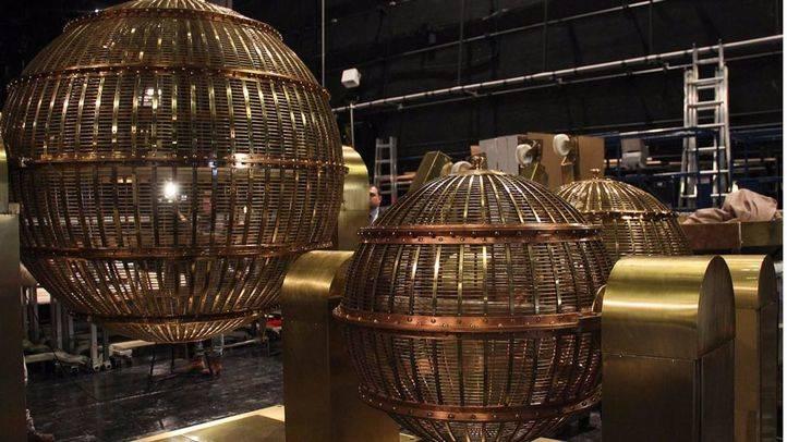 Bombos de la Lotería de Navidad en el Teatro Real (archivo)