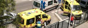 Ambulancias a la entrada del instituto Neil Armstrong de Valdemoro