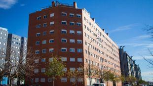 Madrid no podrá vender más viviendas públicas a fondos de inversión