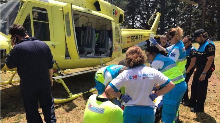 Herido grave un ciclista por un traumatismo facial severo tras caerse en Cercedilla