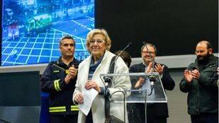 Carmena felicita la Navidad deseando regalar a los madrileños una ciudad