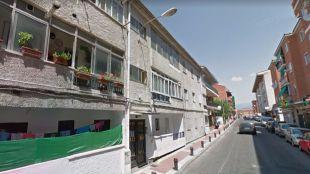 El herido ha sido hallado en la calle Pardo de Santallana