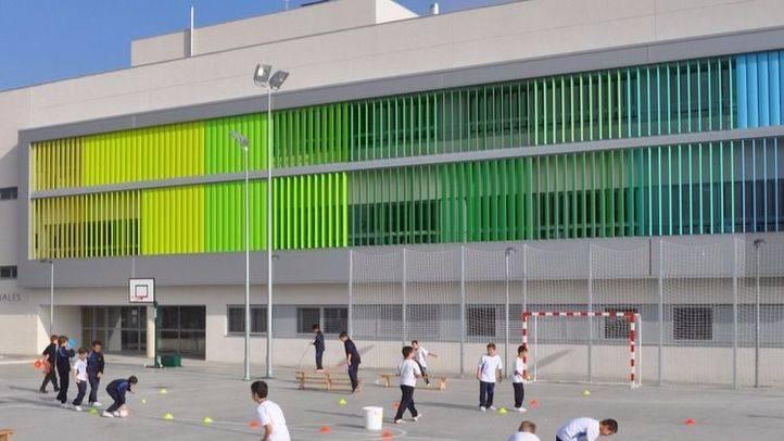 Manos Limpias denuncia a la concejal de Carabanchel por impedir que el colegio Arenales participe en la cabalgata