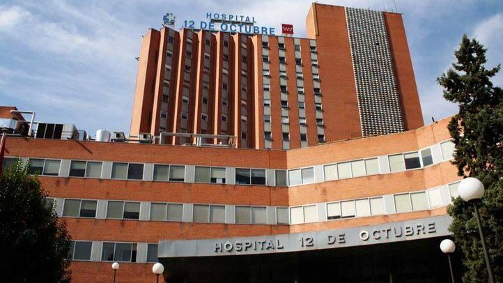 Herido grave un joven de 31 años al caer del techo de un taxi en marcha