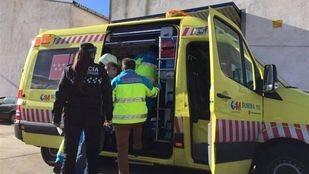 Herido muy grave tras caerse de una plataforma de 2 metros en Fuenlabrada
