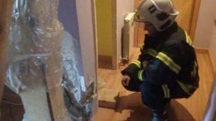 Desalojo en Carabanchel de un edificio por grietas graves.
