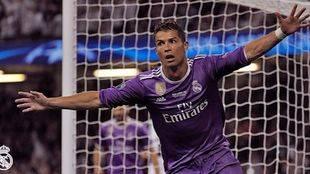 Ronaldo celebra uno de sus dos tantos