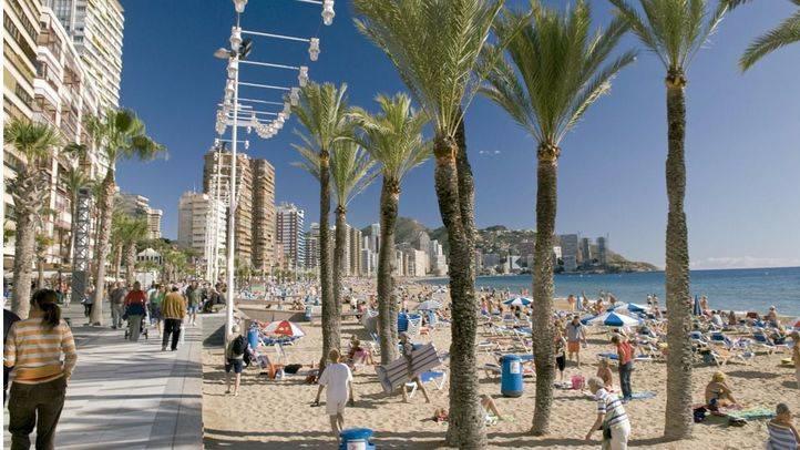 Madrid emisor libro turismo. Las playas de la Comunidad Valenciana congregan cada año a millones de personas.