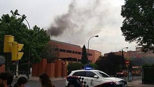 Incendio en Getafe: arde la azotea de un edificio de la UC3M