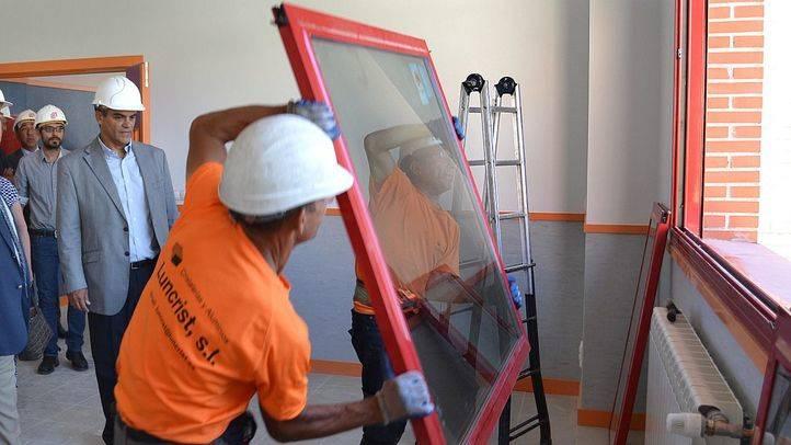 Rafael van Grieken visita las obras de un instituto en Las Rosas