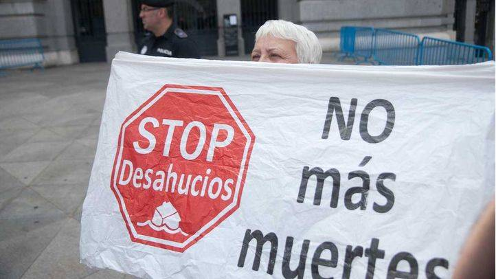 La PAH denuncia el desahucio de una mujer con dos niños en Vallecas sin alternativa ocupacional