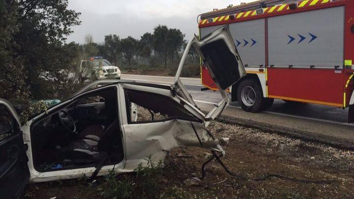Herido un joven de 29 años que ha quedado atrapado en su coche tras un accidente en la M-510