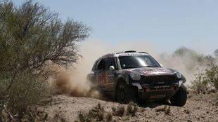 Dakar, etapa 11: Nasser Al-Attiyah gana sin inquietar a Peterhansel