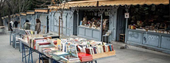 Libreros en la Cuesta de Moyano
