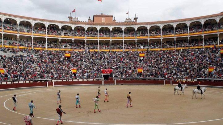 Vista general de Las Ventas durante el paseillo de los matadores Jimenez Fortes, Antonio Nazaré y David Mora.