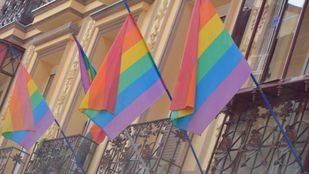 Boda multitudinaria en Lavapiés por el XII aniversario del matrimonio homosexual