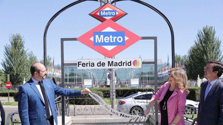El consejero de Transportes, Vivienda e Infraestructuras, Pedro Rollán, y la consejera de Economía, Hacienda y Empleo, Engracia Hidalgo, anunciando el cambio de nombre de la estación Campo de las Naciones, a partir del 26 de junio, Feria de Madrid.