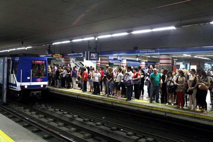 Foto de archivo del andén de la estación de Metro de Atocha Renfe durante una huelga.