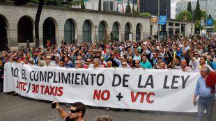 Los taxistas se han manifestado contra los Vehículos de Transporte con Conductor (VTC).