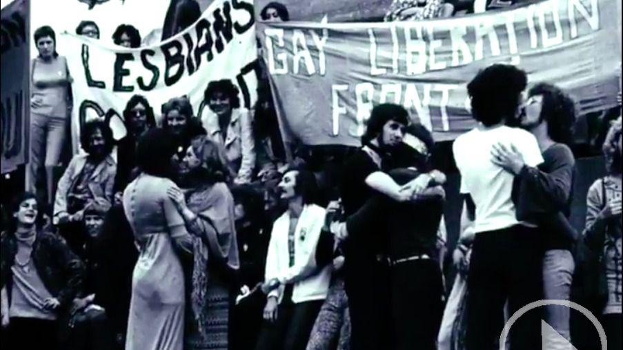 Podemos rememora los 40 años de lucha LGTBI