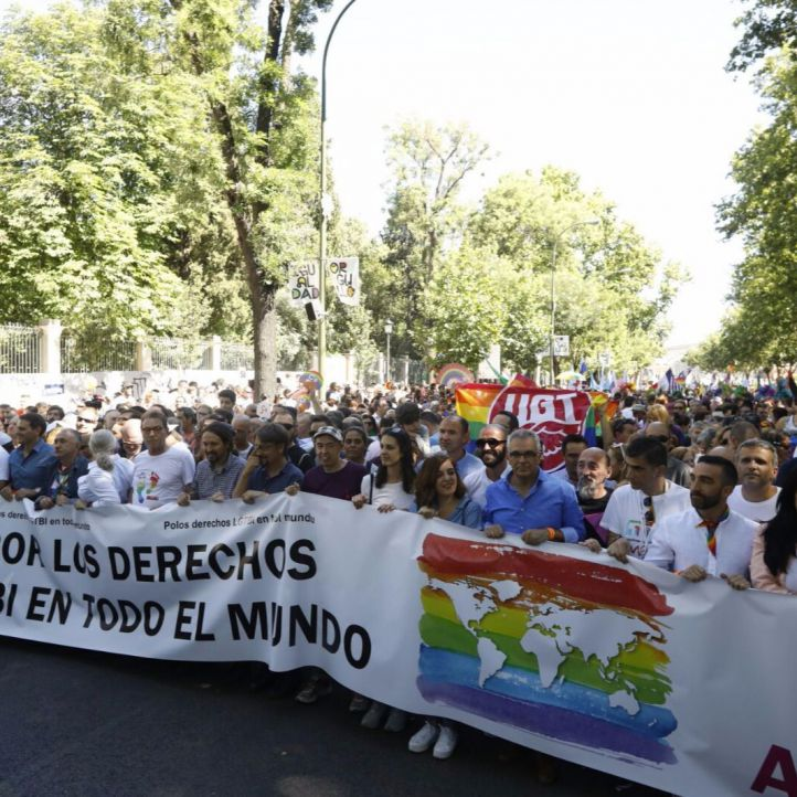 Diferentes representantes políticos acuden a la manifestación del Orgullo
