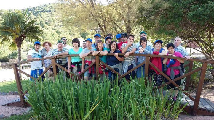 La Comunidad programa actividades acuáticas y salidas a parques temáticos para personas discapacitadas
