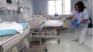 una enfermera en un hospital materno infantil