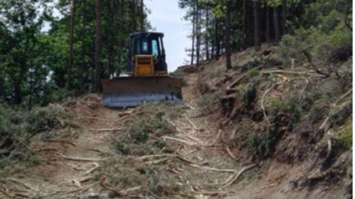 La Comunidad dice que la maquinaria usada, criticada por los ecologistas, es 'indispensable'