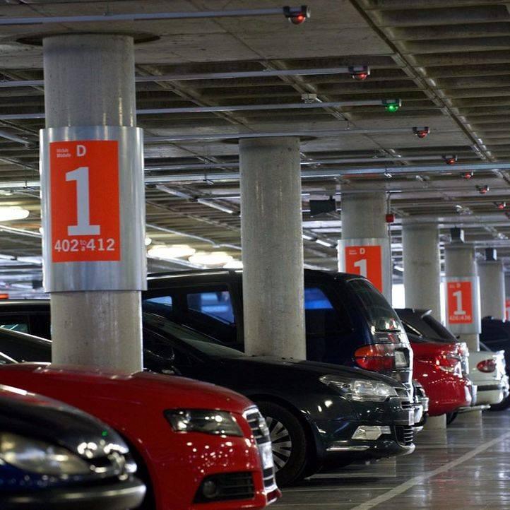 La EMT pone a la venta 275 abonos para el aparcamiento de Montalbán