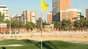 Campo de golf dentro de las instalaciones deportivas del Canal de Isabel II en Chamberí.