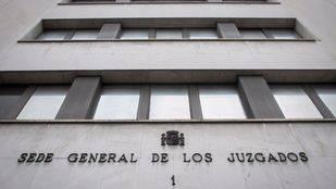 Un juez anula la sanción contra el director del instituto de Usera en el que se suicidó una alumna