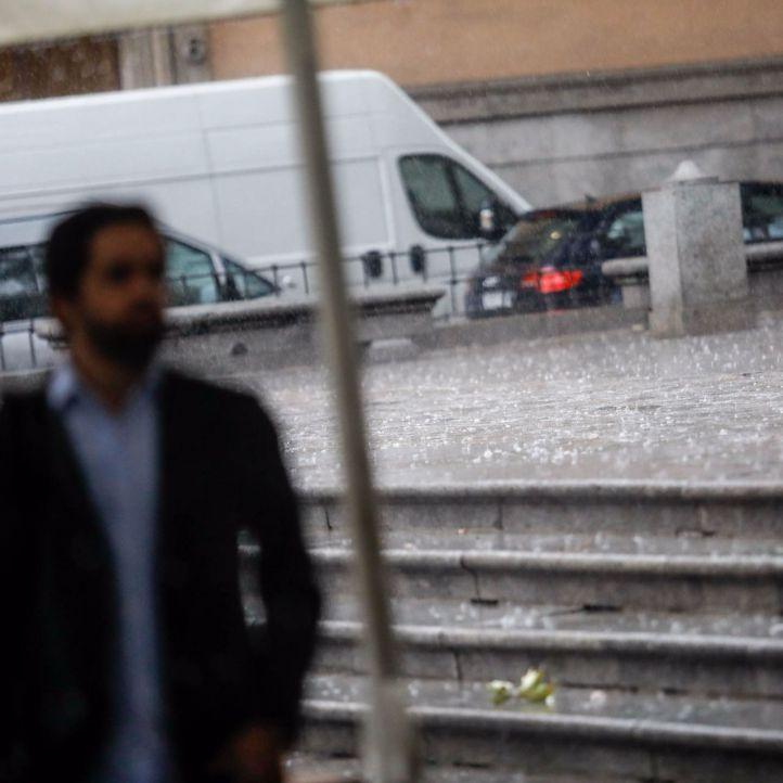 La tormenta provoca casi 300 salidas de los bomberos en la Comunidad de Madrid