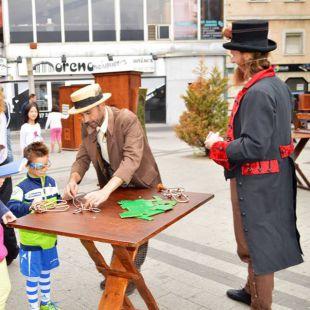 Magia e ilusión en la Feria de los Imposibles de Parla