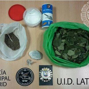 Detenido un conductor en el barrio de Aluche con 66 gramos de heroína y 100 de cocaína