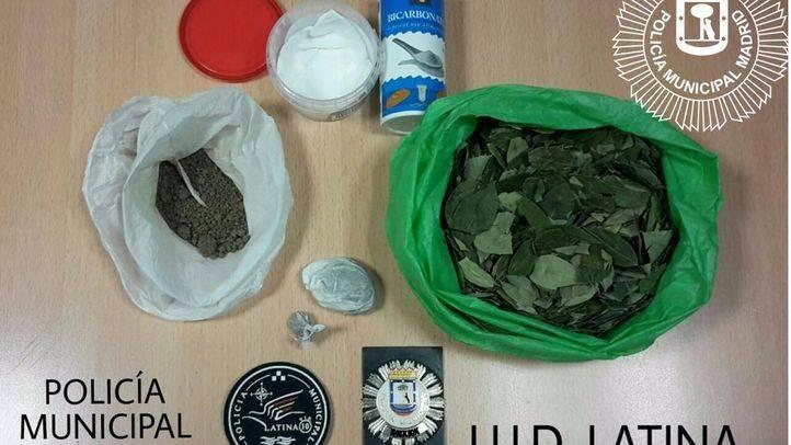 Detenido un conductor ebrio con 66 gramos de heroína y 100 de cocaína