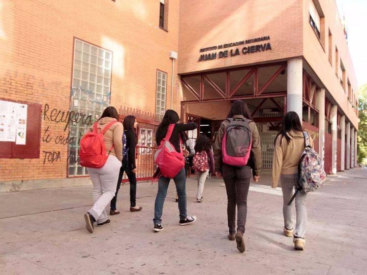 La Comunidad contratará a 600 nuevos profesores de instituto