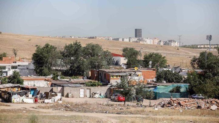 Vista del sector 6 de la Cañada Real desde la antigua fábrica de muebles, actual sede de varias asociaciones  que operan en la Cañada.