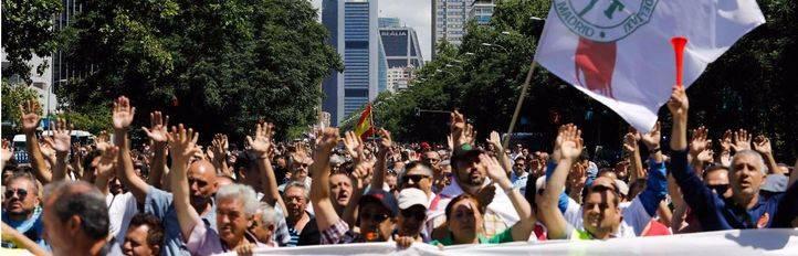 Varias organizaciones del taxi proponen volver a parar Madrid: gran manifestación y un paro de 12 horas el 27 de julio