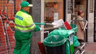 Madrid tiene 468 nuevos barrenderos desde mayo y a 385 se les ha ampliado el contrato