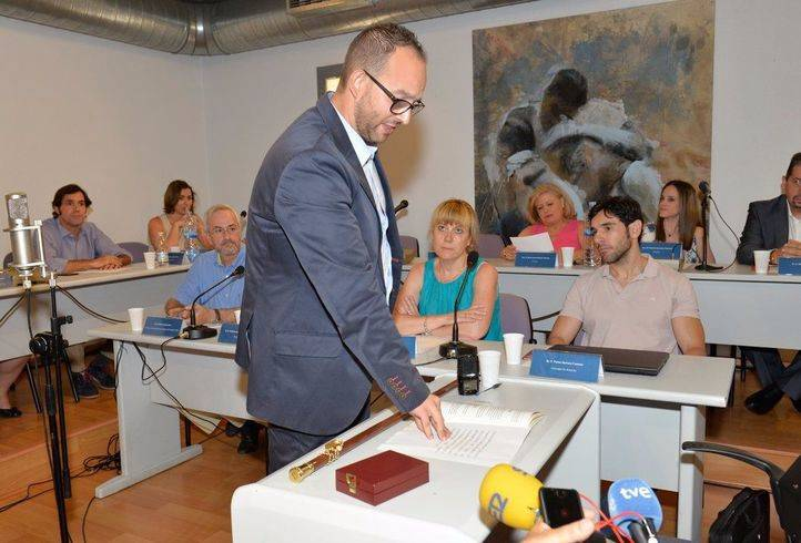 Serafín Faraldos promete su cargo como alcalde de Valdemoro