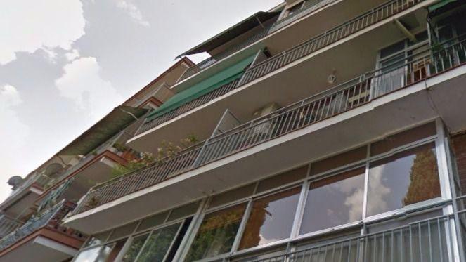 Herido grave tras caer desde un cuarto piso cuando intentaba entrar en casa de su ex pareja