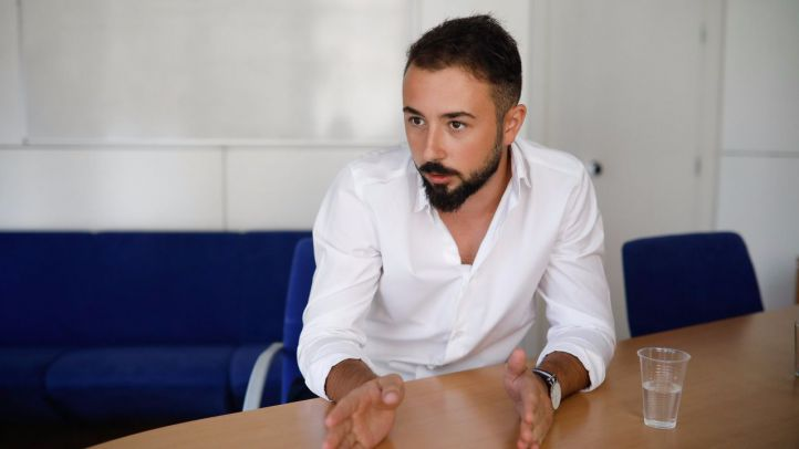 Entrevista al escritor Miguel Pérez de Castro autor del libro de fantasía ' El último día del invierno' editado por Nueva Estrella Editorial.