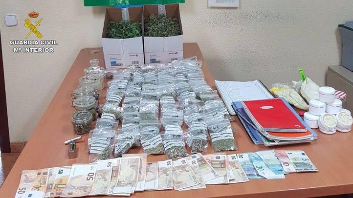 Desmantelado un punto de venta de hachís y marihuana en Camarma de Esteruelas